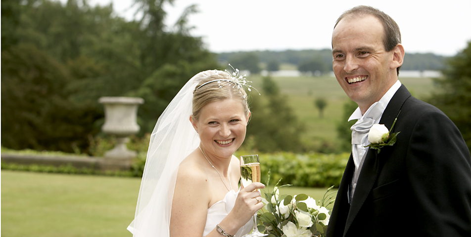wedding phtography of the bride and groom at the grounds of Tatton Hall Cheshire
