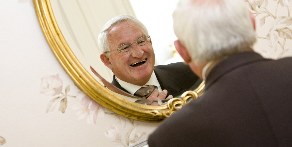 """Relaxed and informal wedding photography of Father of the Bride in Derbyshire"""
