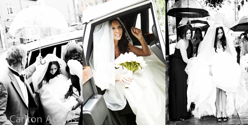 photography of the bride in the wedding car