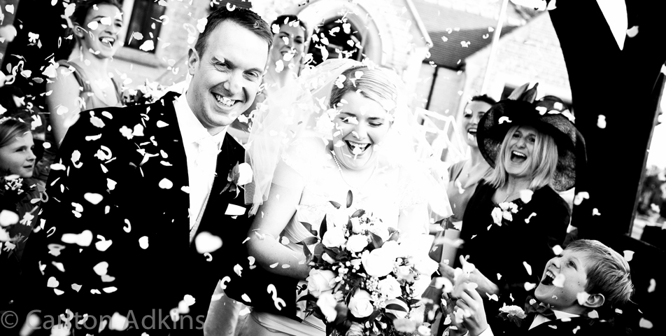 photography of the wedding confetti