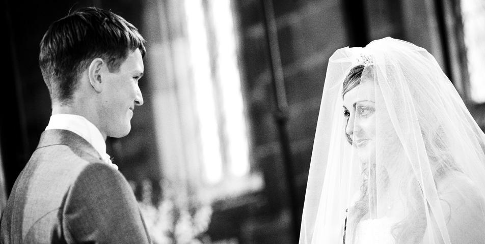 wedding photography cheshire gawsworth