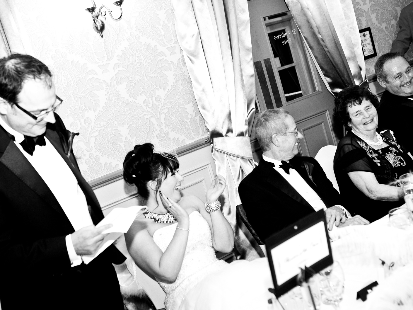 photography-of-the-grooms-speech-at-the-wedding-venue-mottram-hall-cheshire