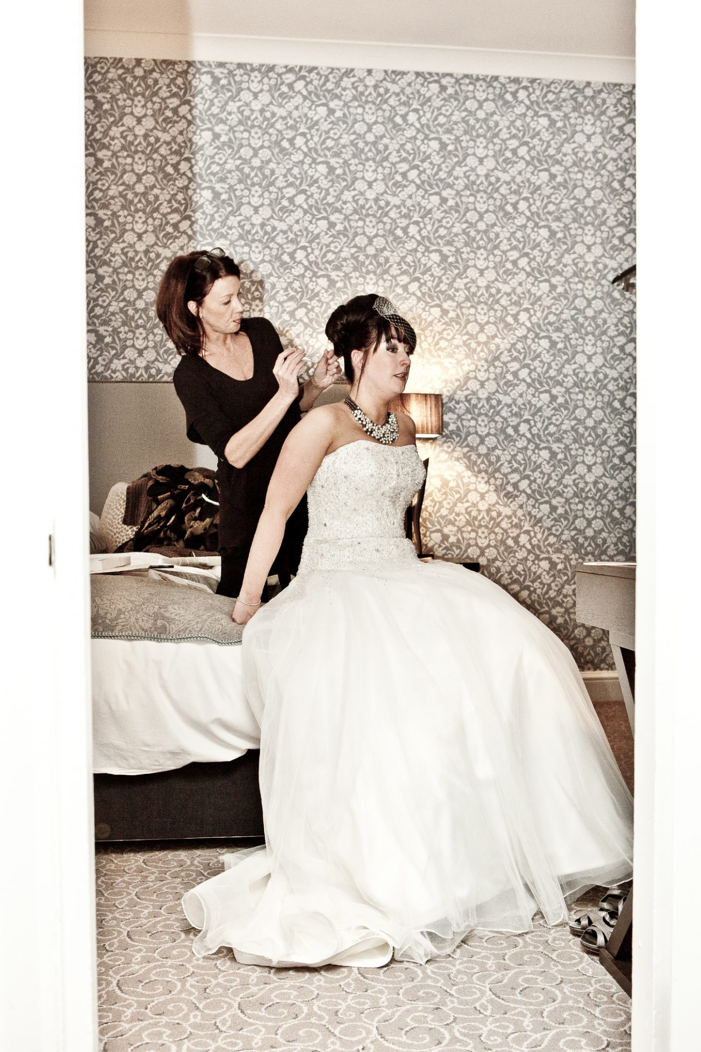 wedding-photography-of-the-bride-getting-ready-at-mpttram-hall-cheshire