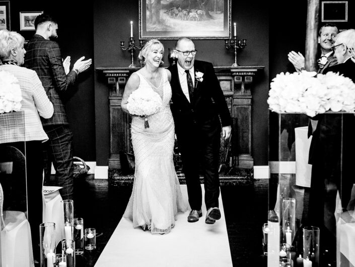 black-and-white-photography-of-the-wedding-ceremony-in-knutsford-cheshire