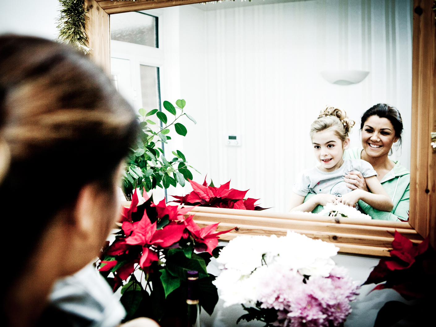photography-of-the-bride-befor-the-wedding-ceremony-in-knutsford-cheshire