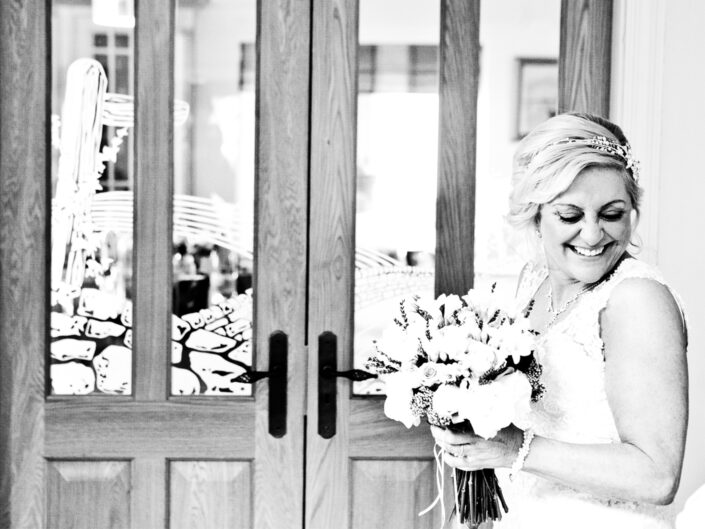 photography-of-the-bride-before-the-wedding-ceremony-in-hale-cheshire