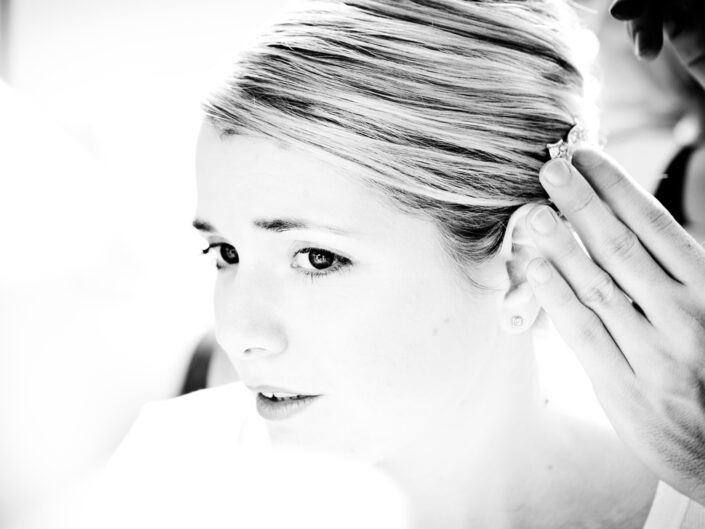photography-of-the-bride-getting-ready-for-the-manchester-wedding