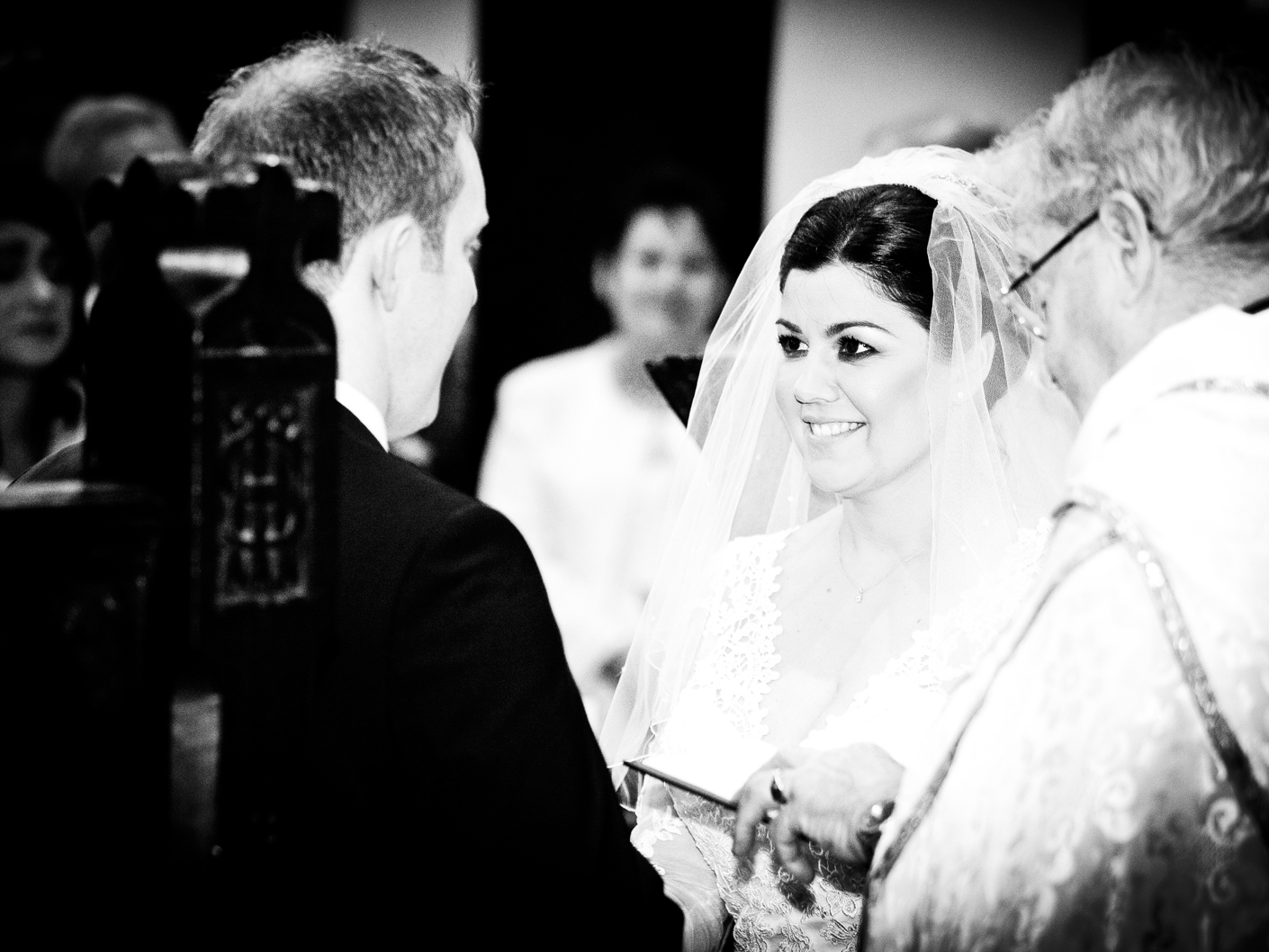 photography-of-the-wedding-vows-in-cheshire