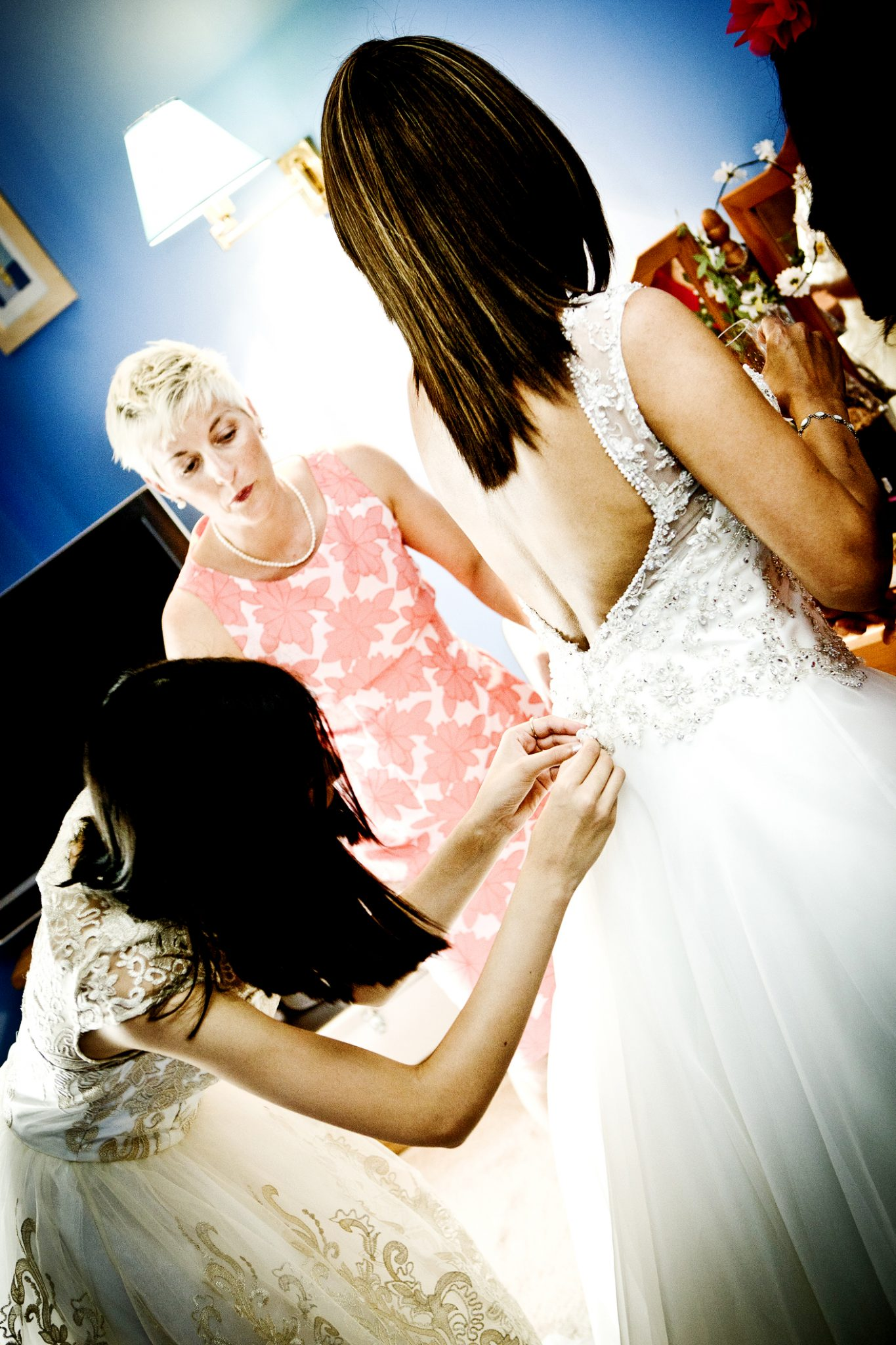 wedding-photograp-of-the-brides-preparation-in-congleton-cheshire