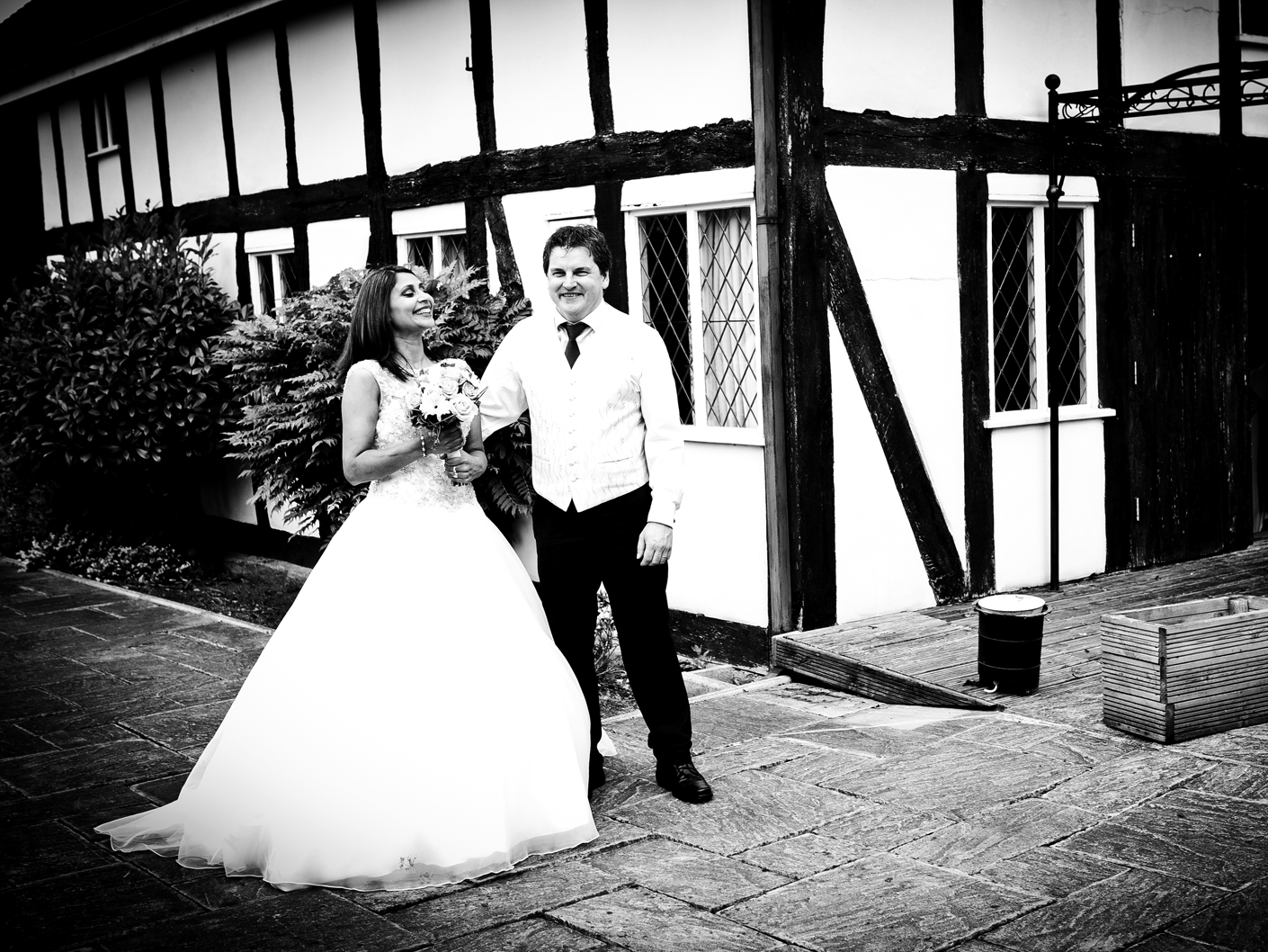 wedding-photography-at-the-plough-inn-cheshire