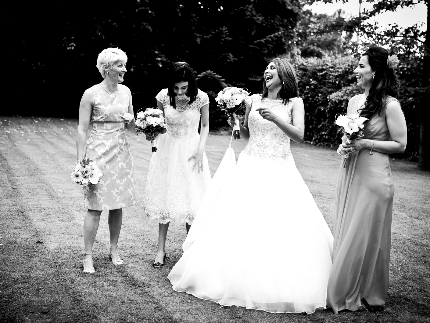 wedding-photography-of-the-bridal-party-in-congelton-cheshire