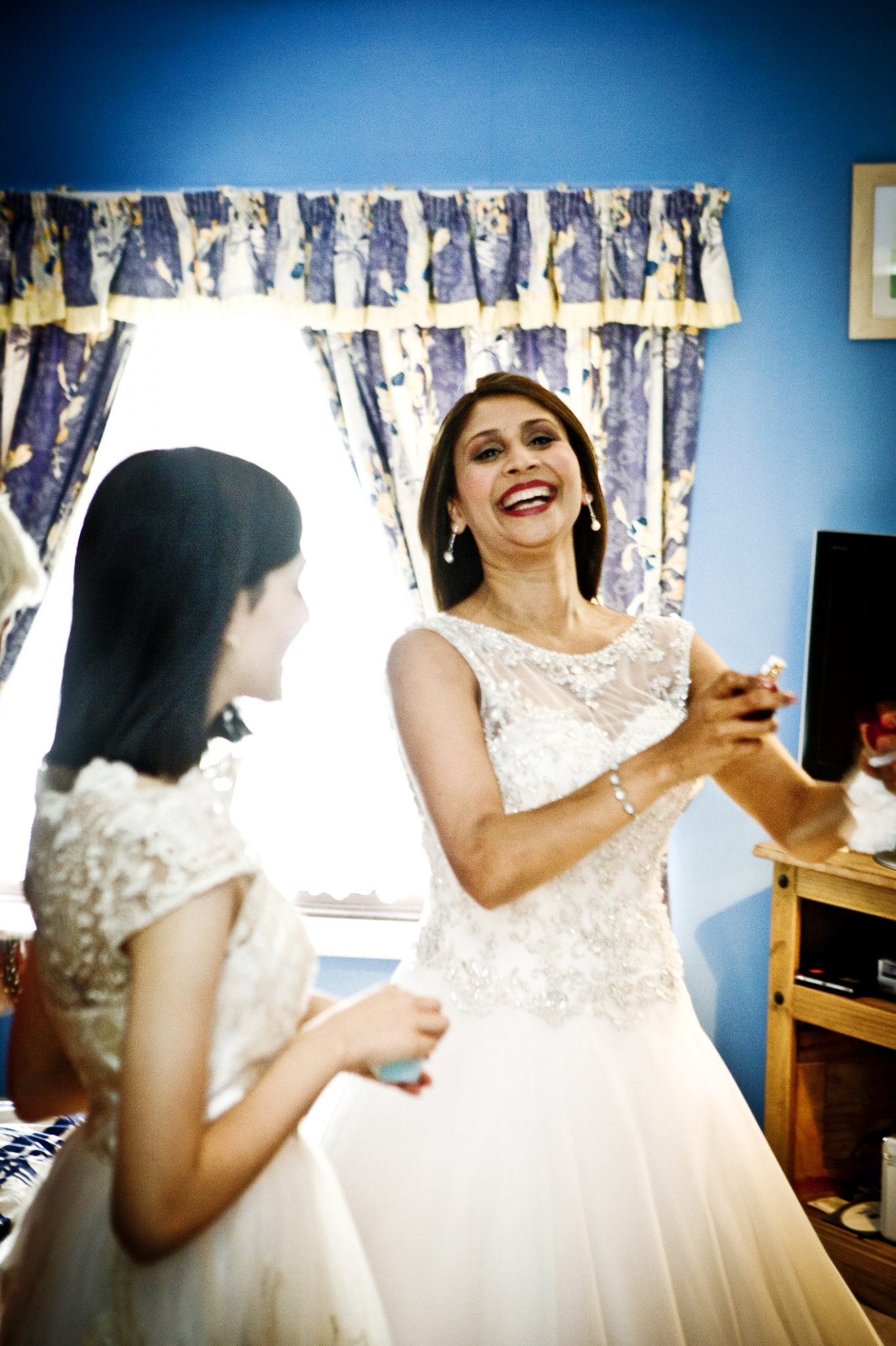 wedding-photography-of-the-bride-getting-ready-in-congleton-cheshire