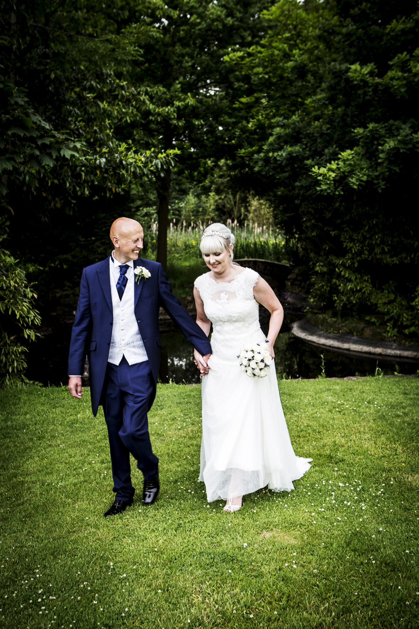 photography-of-the-bride-and-groom-at-cranage-hall-in-cheshire