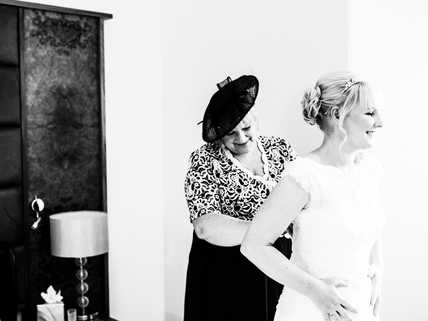 photography-of-the-mother-of-the-bride-at-cranage-hall-cheshire