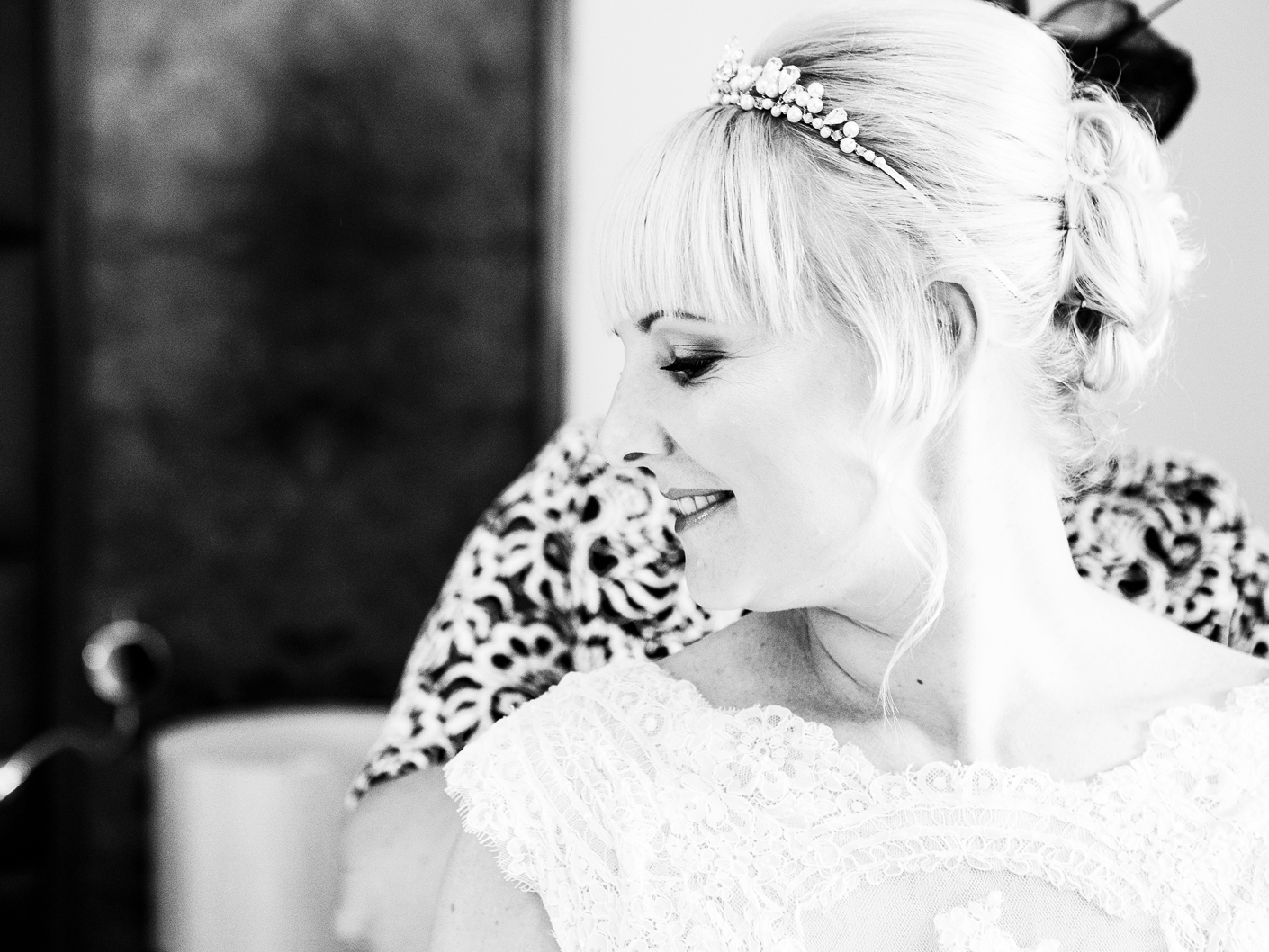 wedding-photography-of-the-bride-getting-ready-at-cranage-hall-cheshire