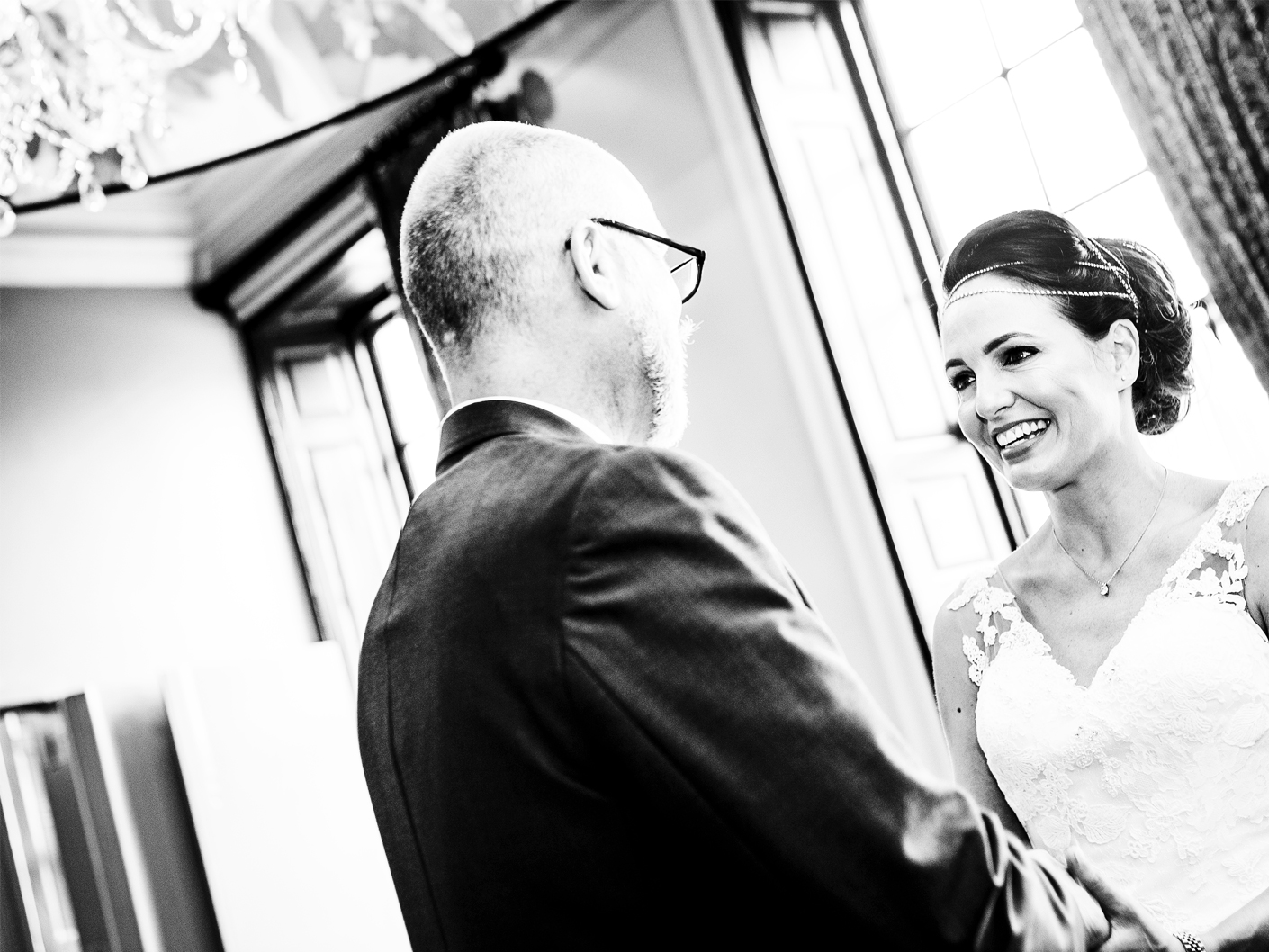 the-civil-wedding-ceremony-at-the-Oddfellows-Hotel-Chester-in-Cheshire