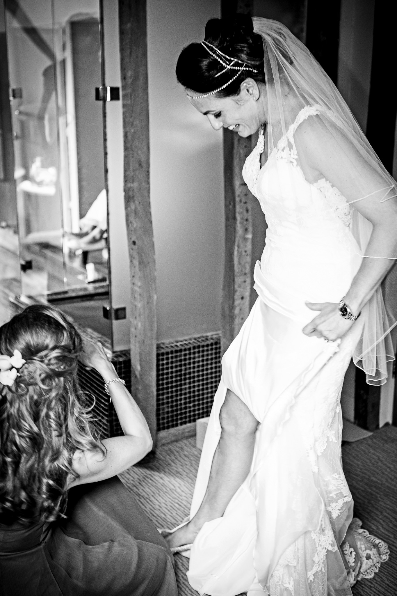 wedding-photography-of-the-bridal-preparations-in-cheshire