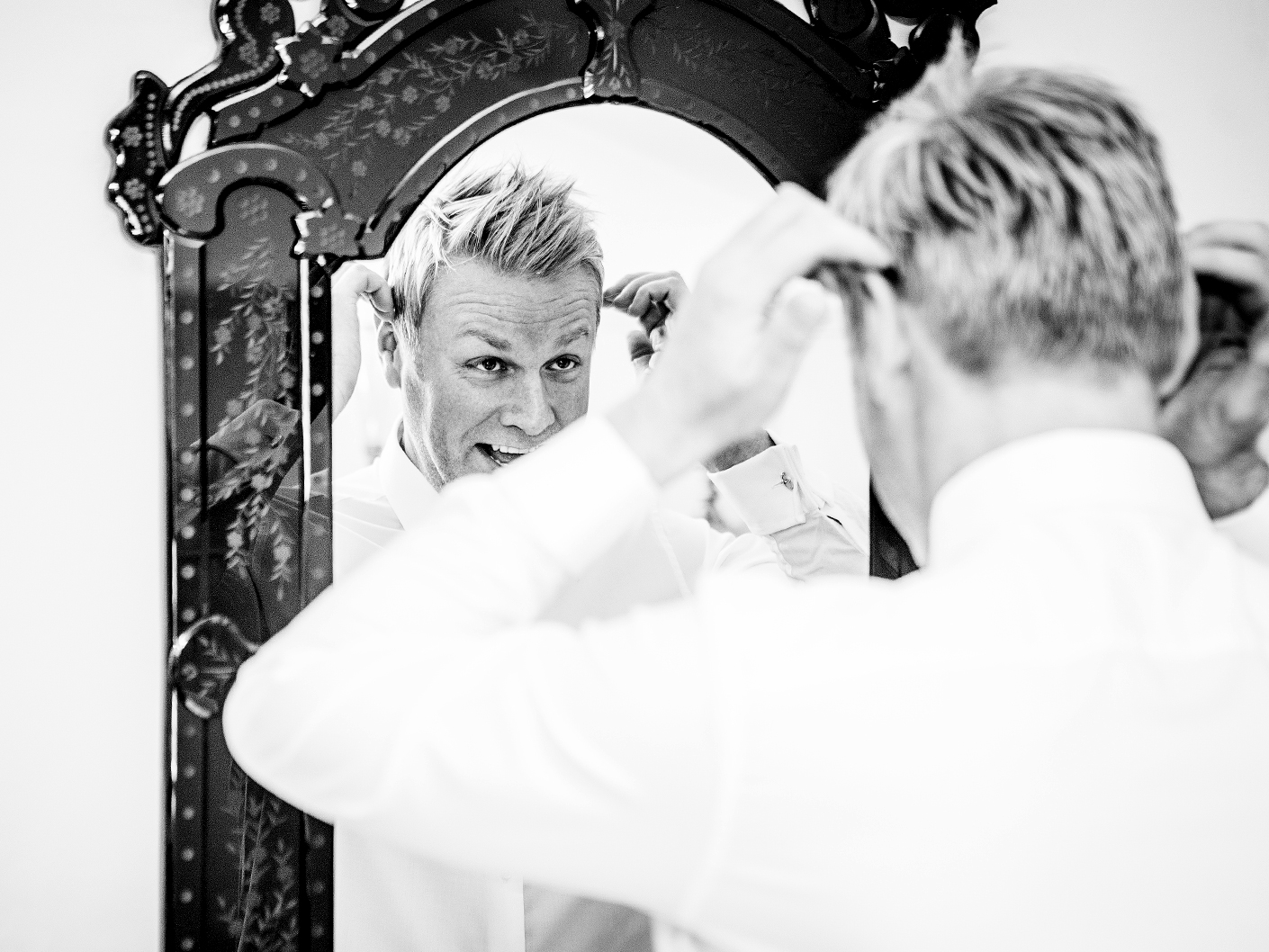 photography-before-the-wedding-ceremony-at-belle-epoque-knutsford-cheshire