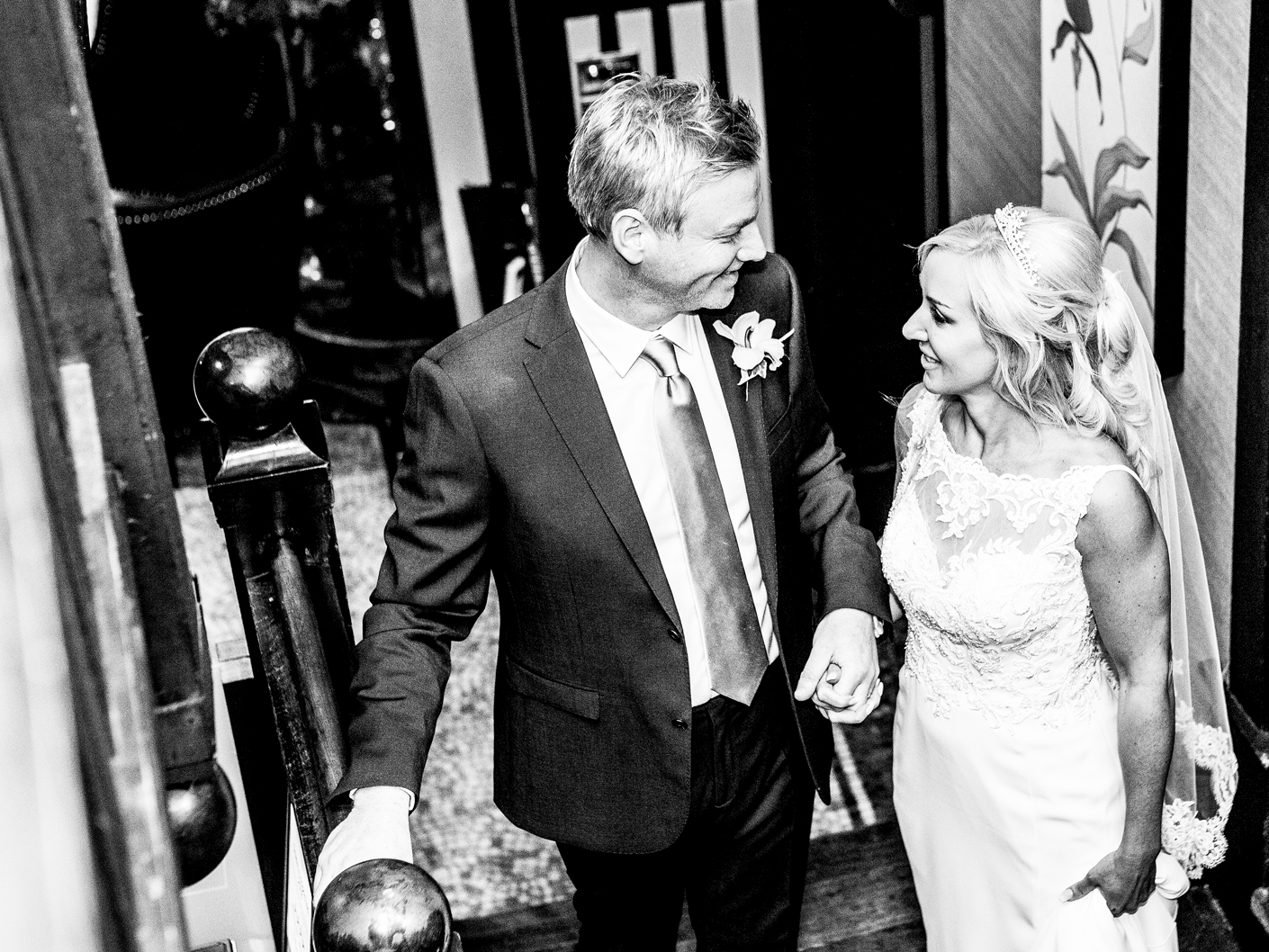 photography-of-the-bride-and-groom-before-the-weding-reception-in-cheshire