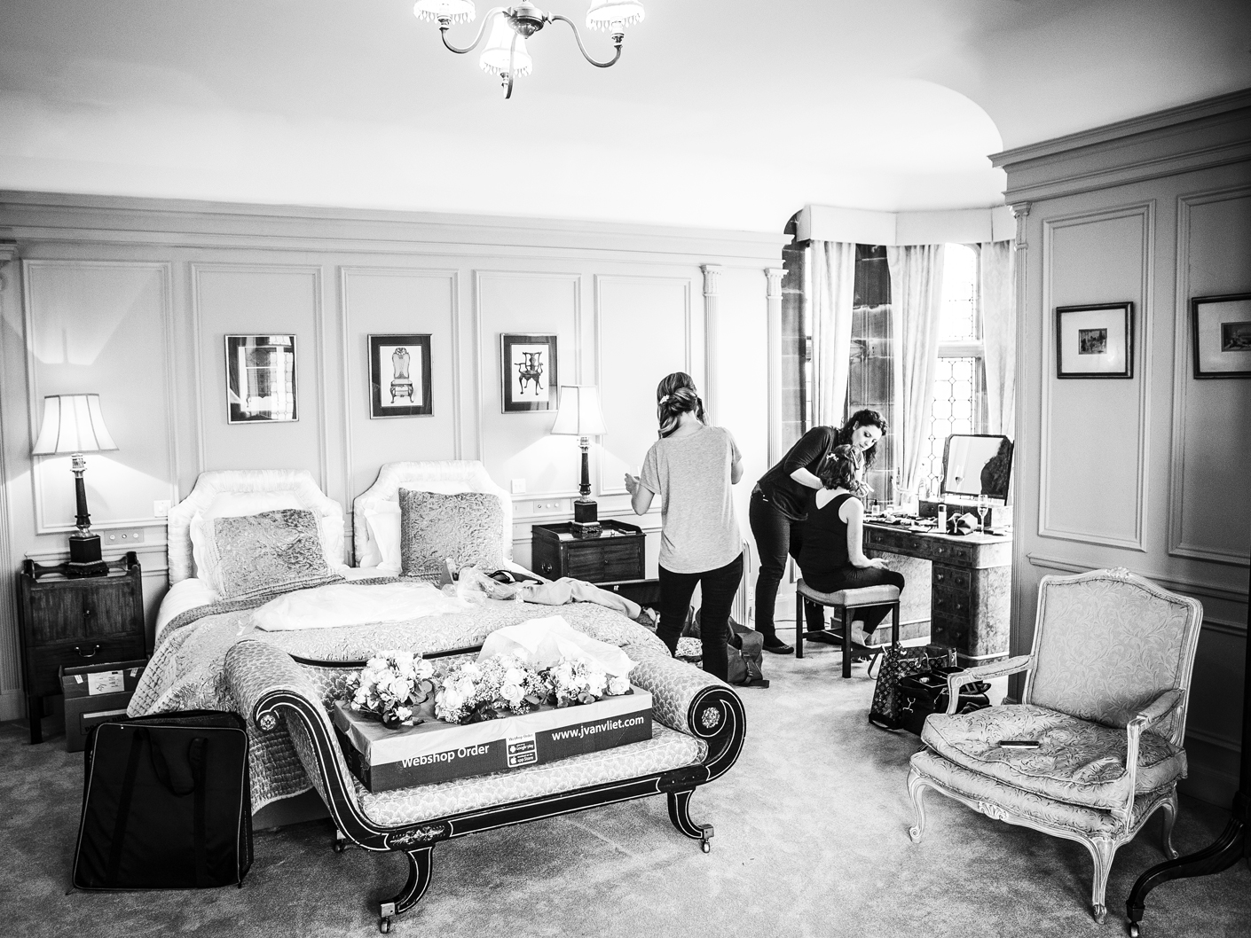 photography-of-the-bride-getting-ready-at-thornton-manor-hotel