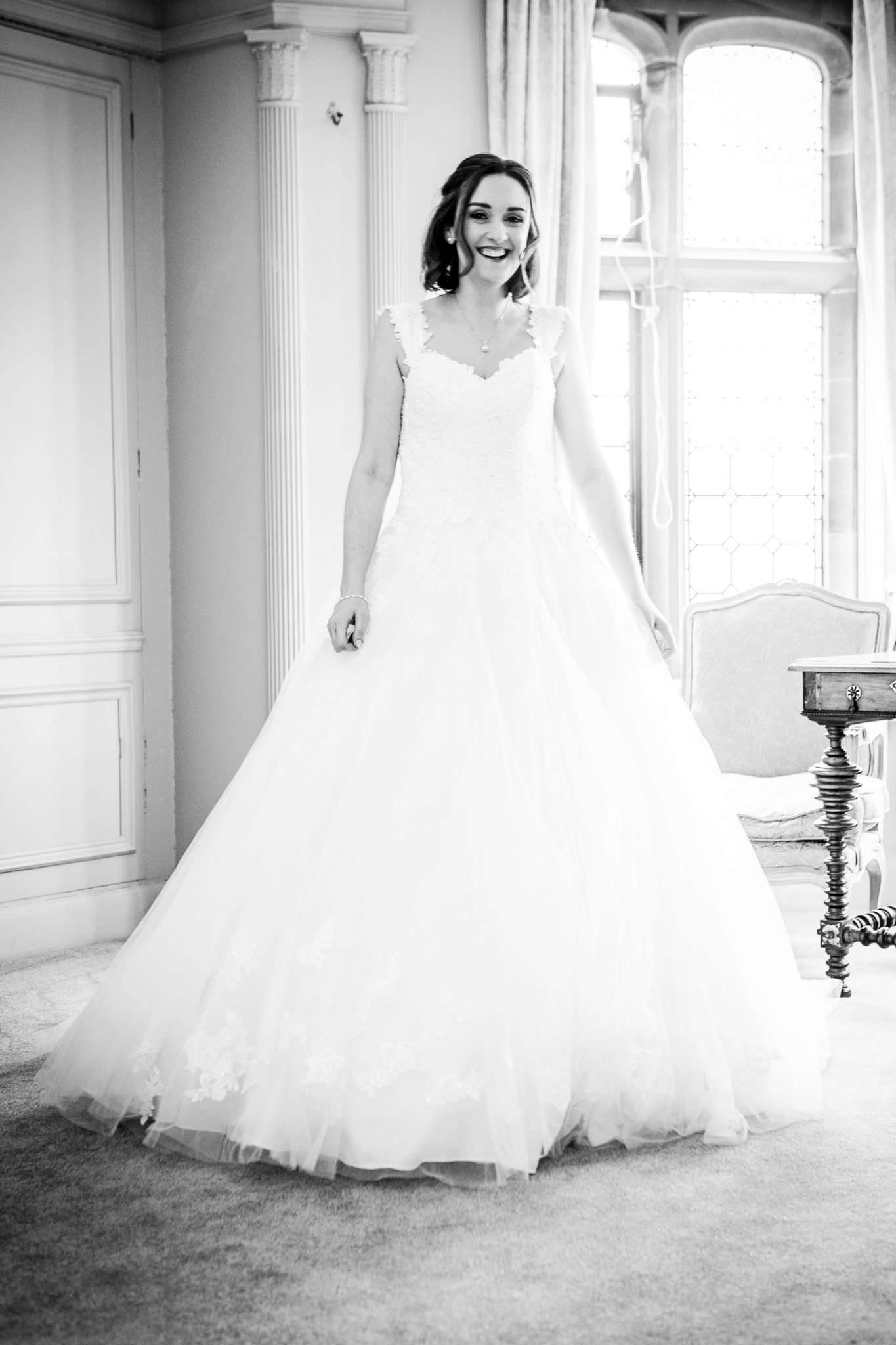 photography-of-the-bride-in-the-wedding-dress