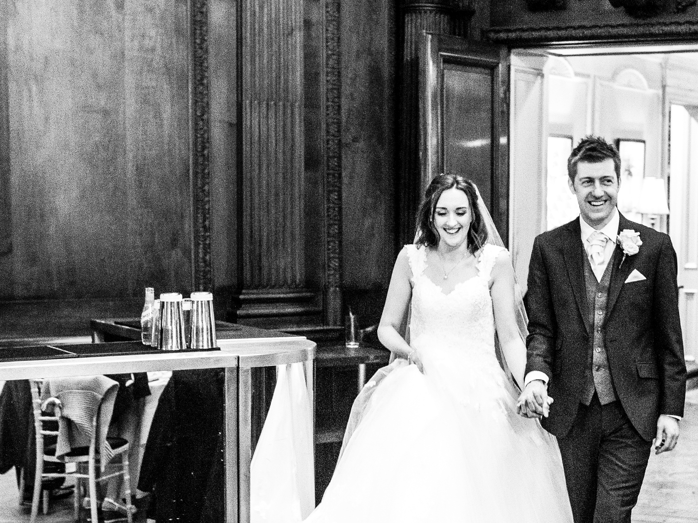 photography-of-the-wedding-breakast-at-thornton-manor