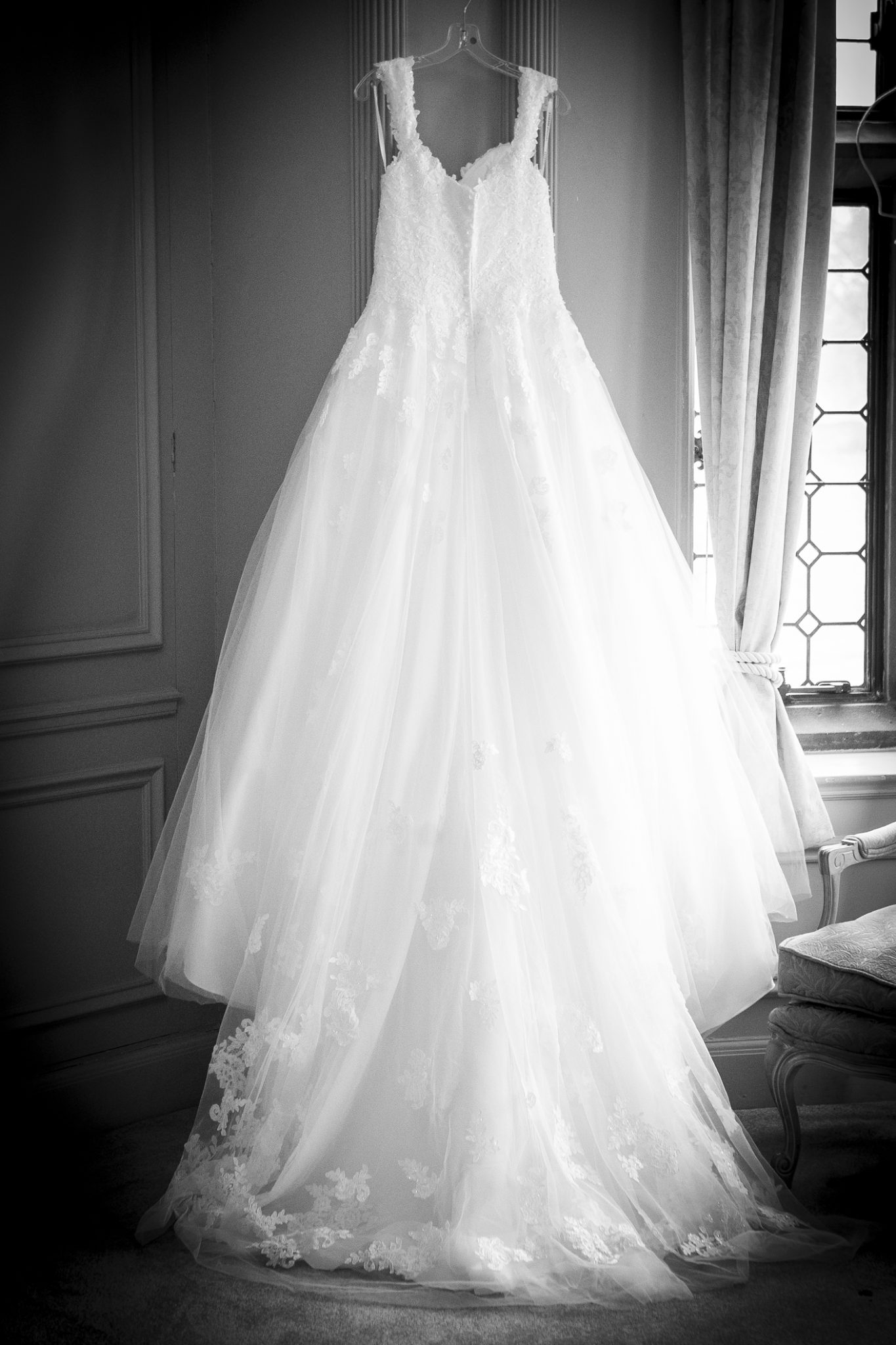 photography-of-the-wedding-dress-in-thornton-manor