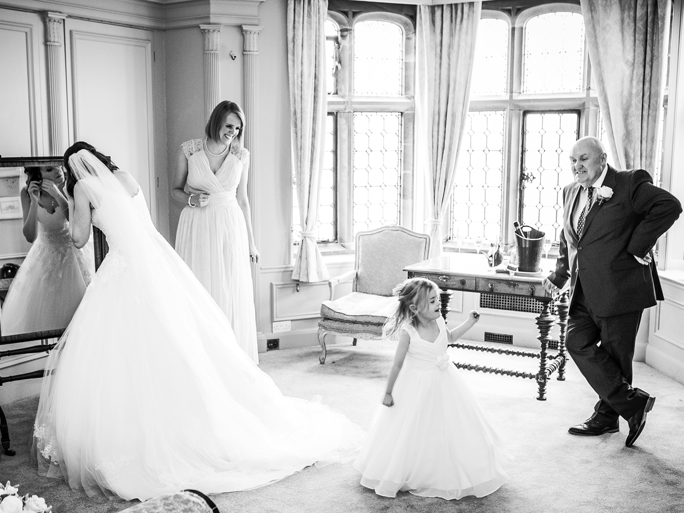 reportage-wedding-photography-at-thornton-manor-wirral