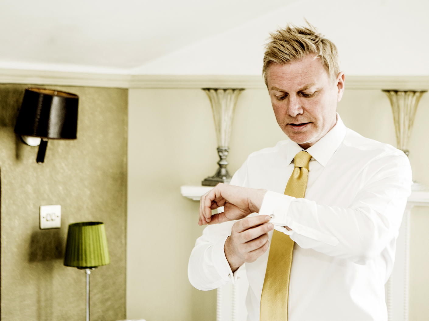 the-groom-getting-ready-at-the-belle-epoque-knutsford-cheshire
