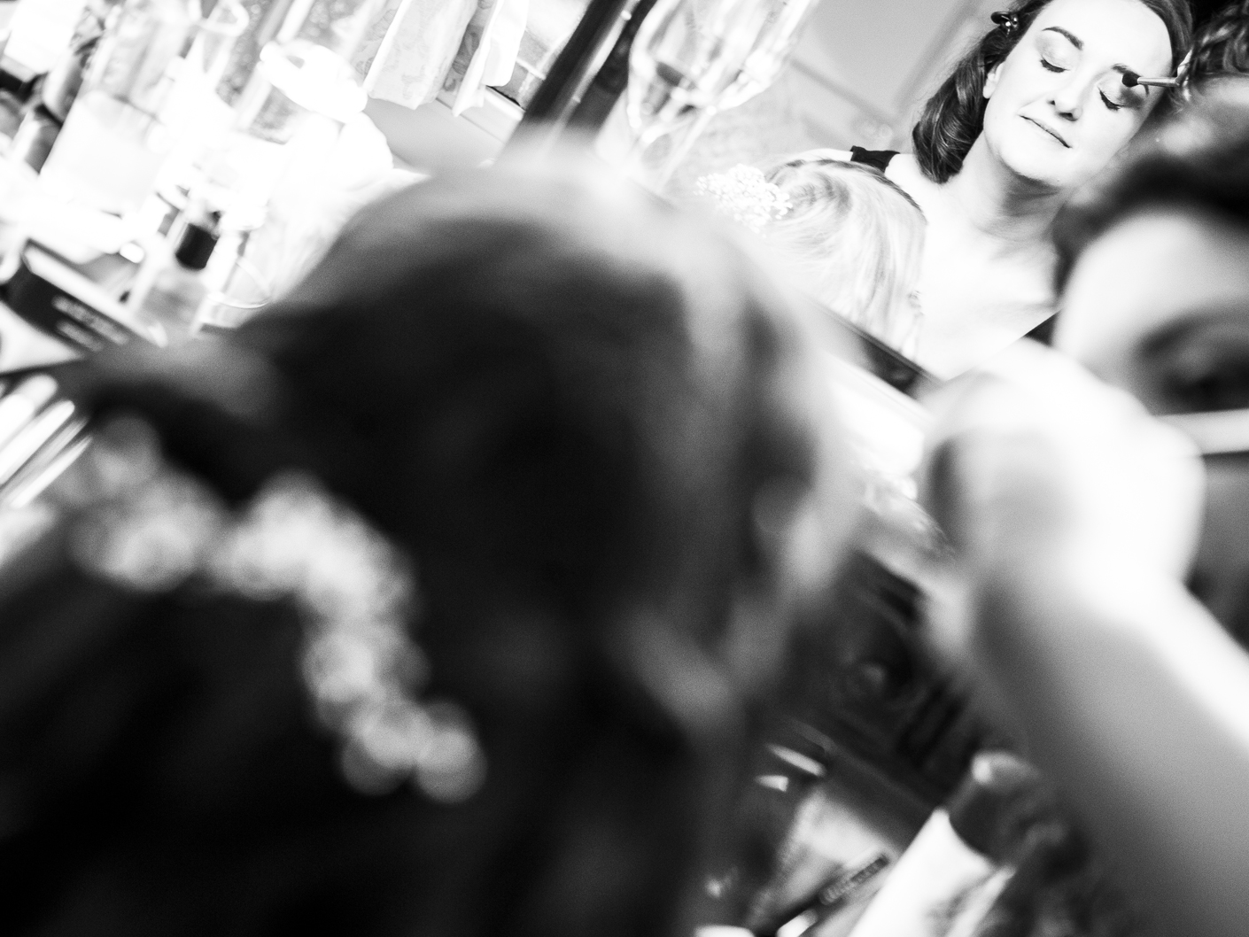 wedding-photography-of-the-bridal-make-up-at-thornton-manor-hotel