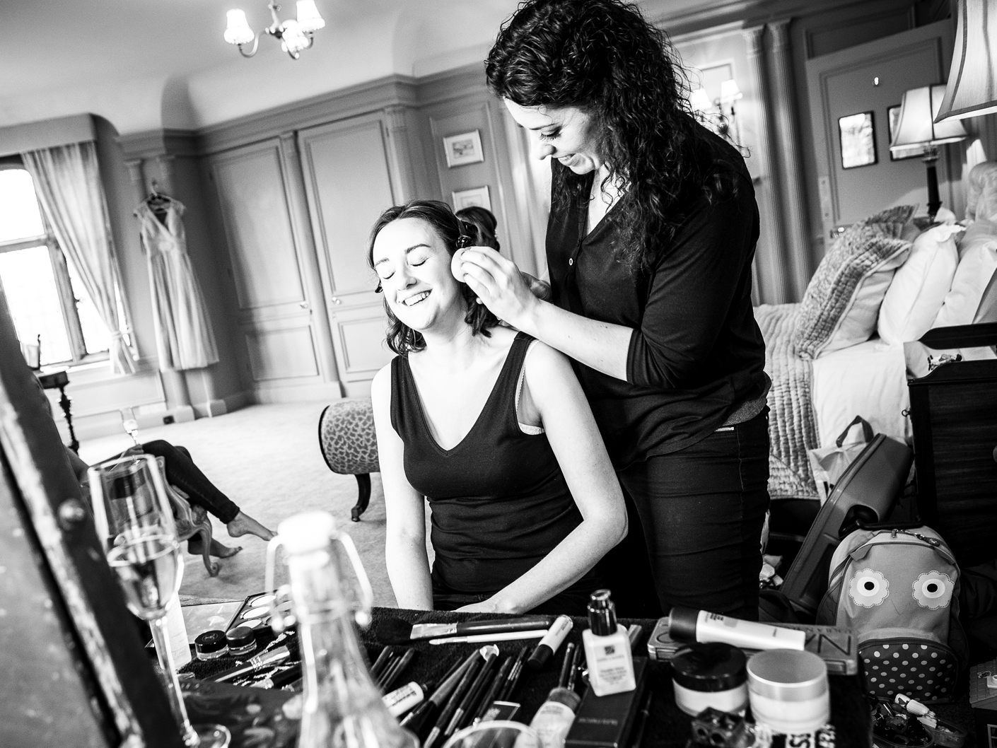 wedding-photography-of-the-bridal-make-up-at-thornton-manor