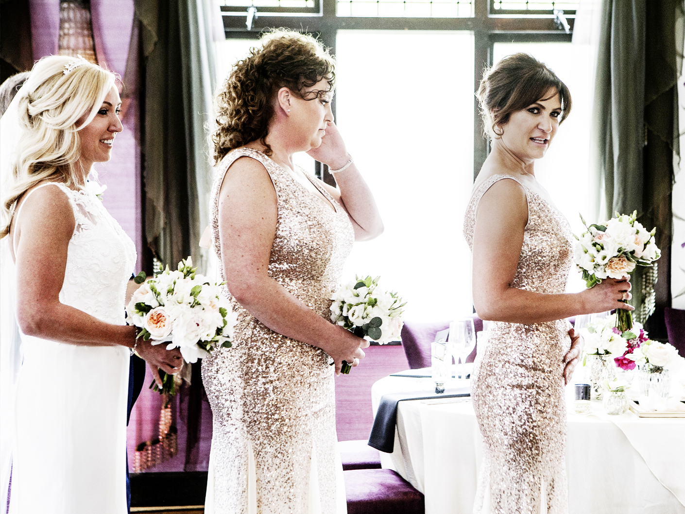 wedding-photography-of-the-bride-and-bridesmaids-in-cheshire