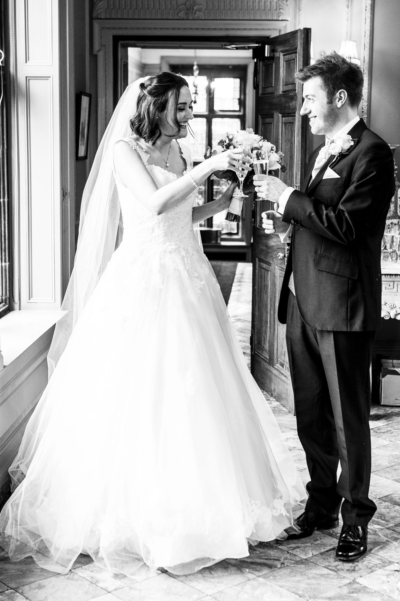 wedding-photography-of-the-bride-and-groom-after-the-ceremony