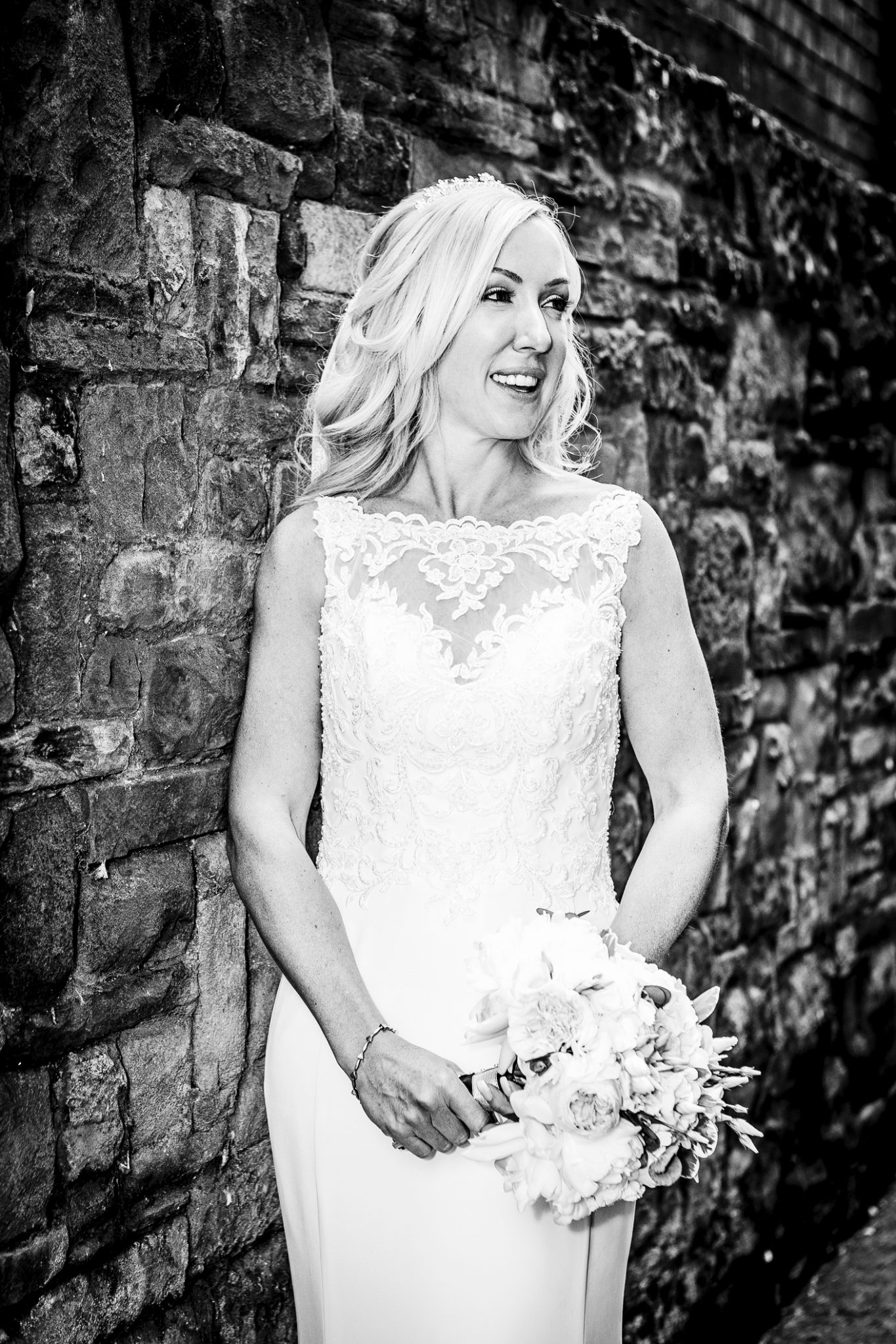 wedding-photography-of-the-bride-in-knutsford-cheshire
