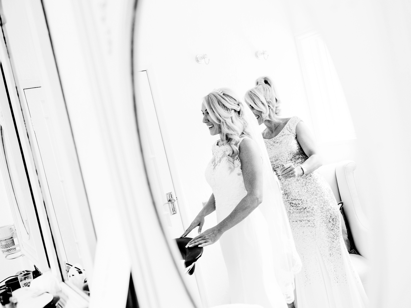 wedding-photography-of-the-brideal-preparations-at-the-belle-epoque-knutsford-cheshire