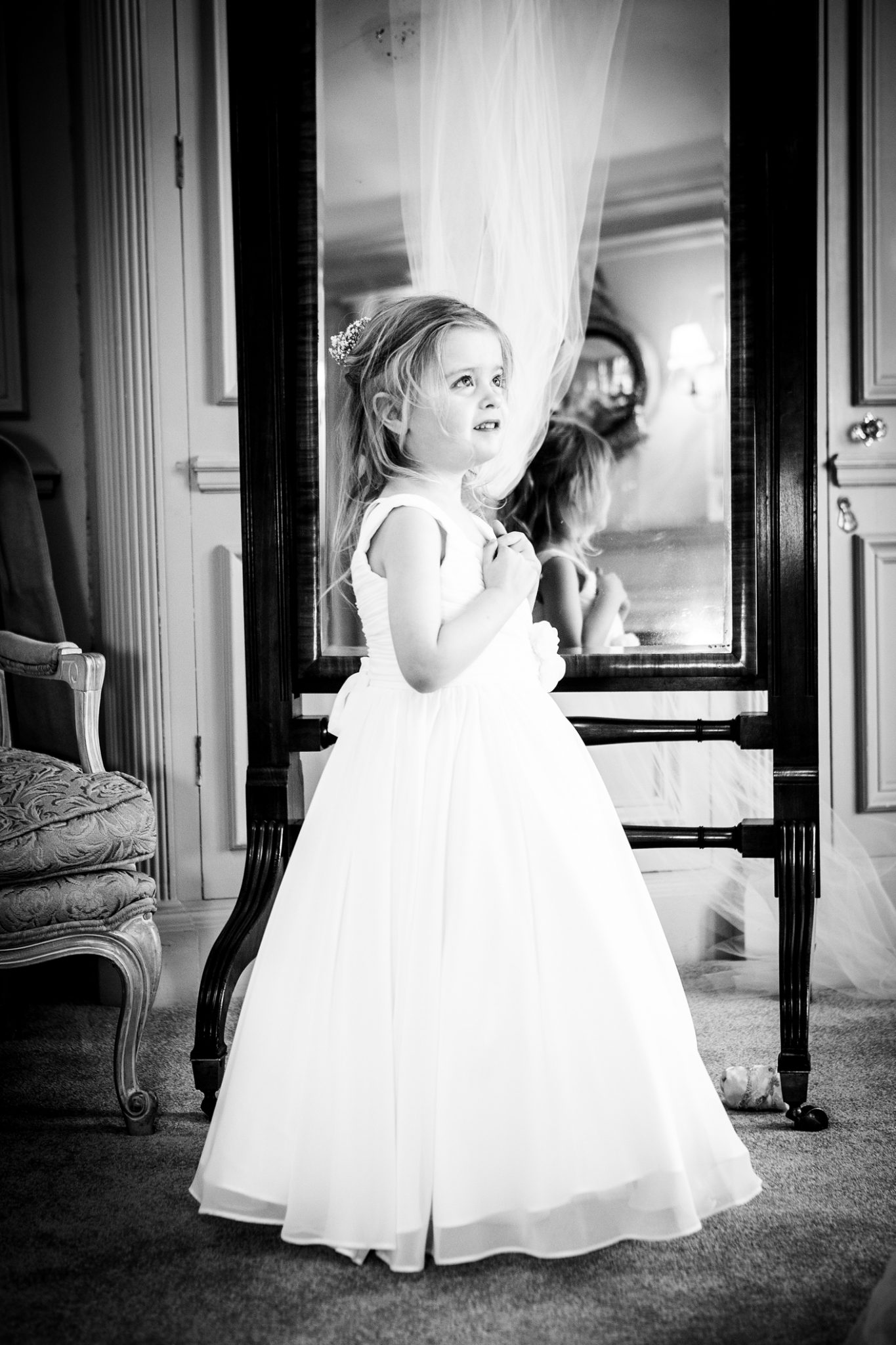 wedding-photography-of-the-bridesmaid-at-thornton-manor-wirral