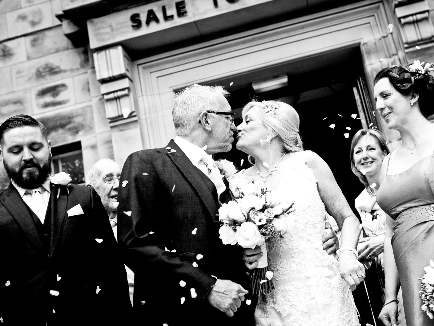 photography-of-the-bride-and-groom-