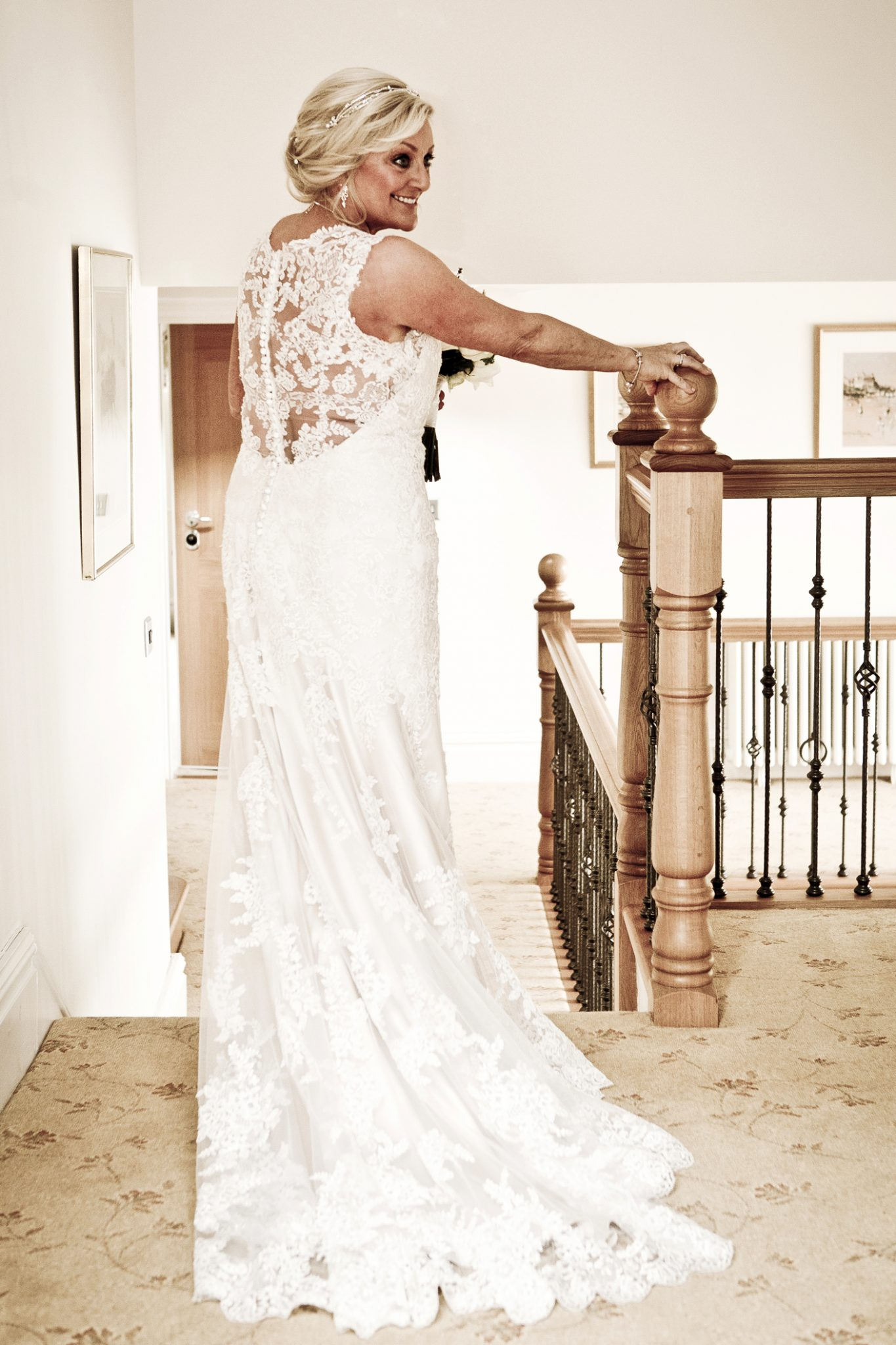 photography-of-the-bride-in-her-wedding-dress-in-cheshire