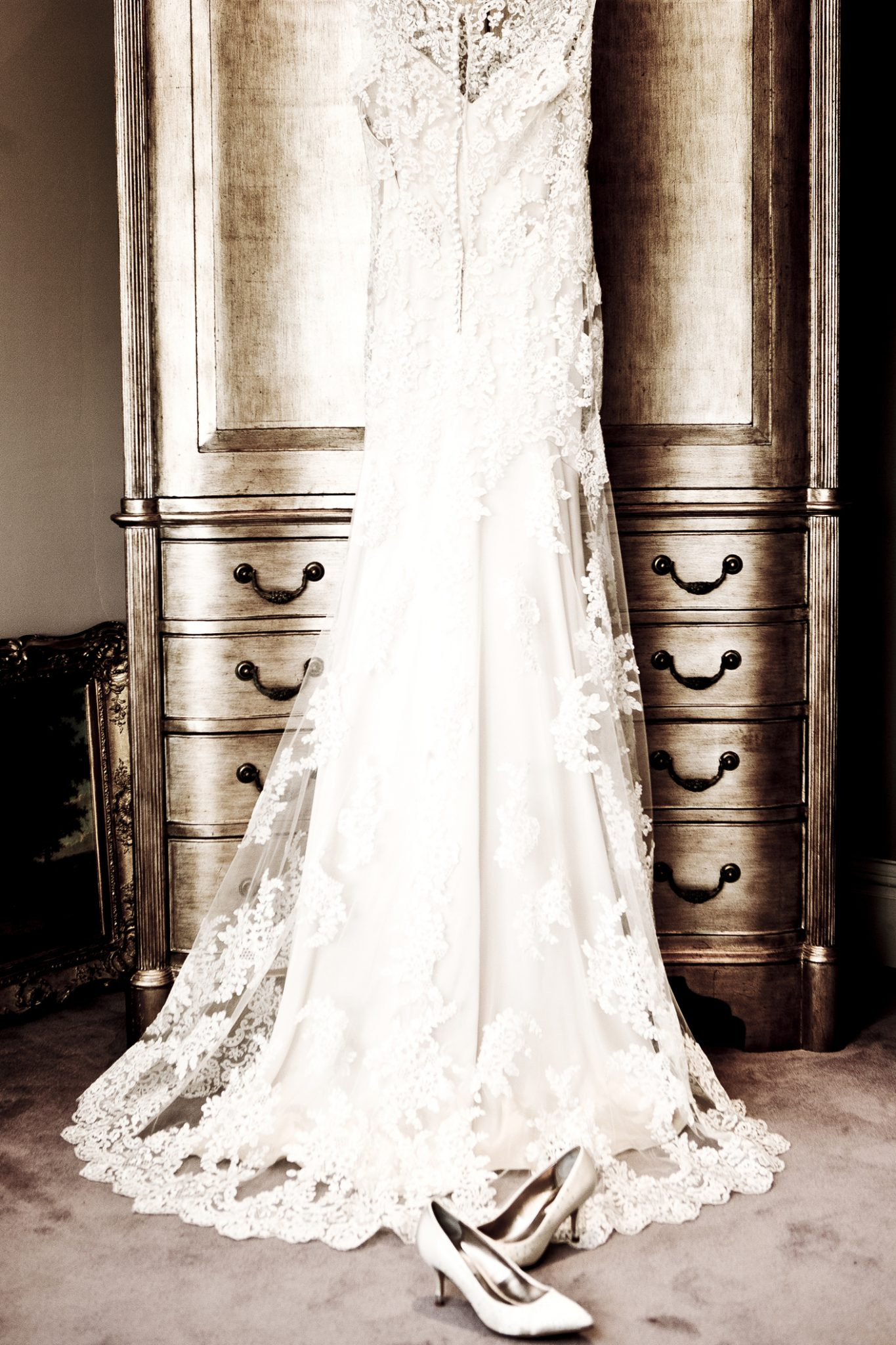 photography-of-the-wedding-dress-in-hale-cheshire