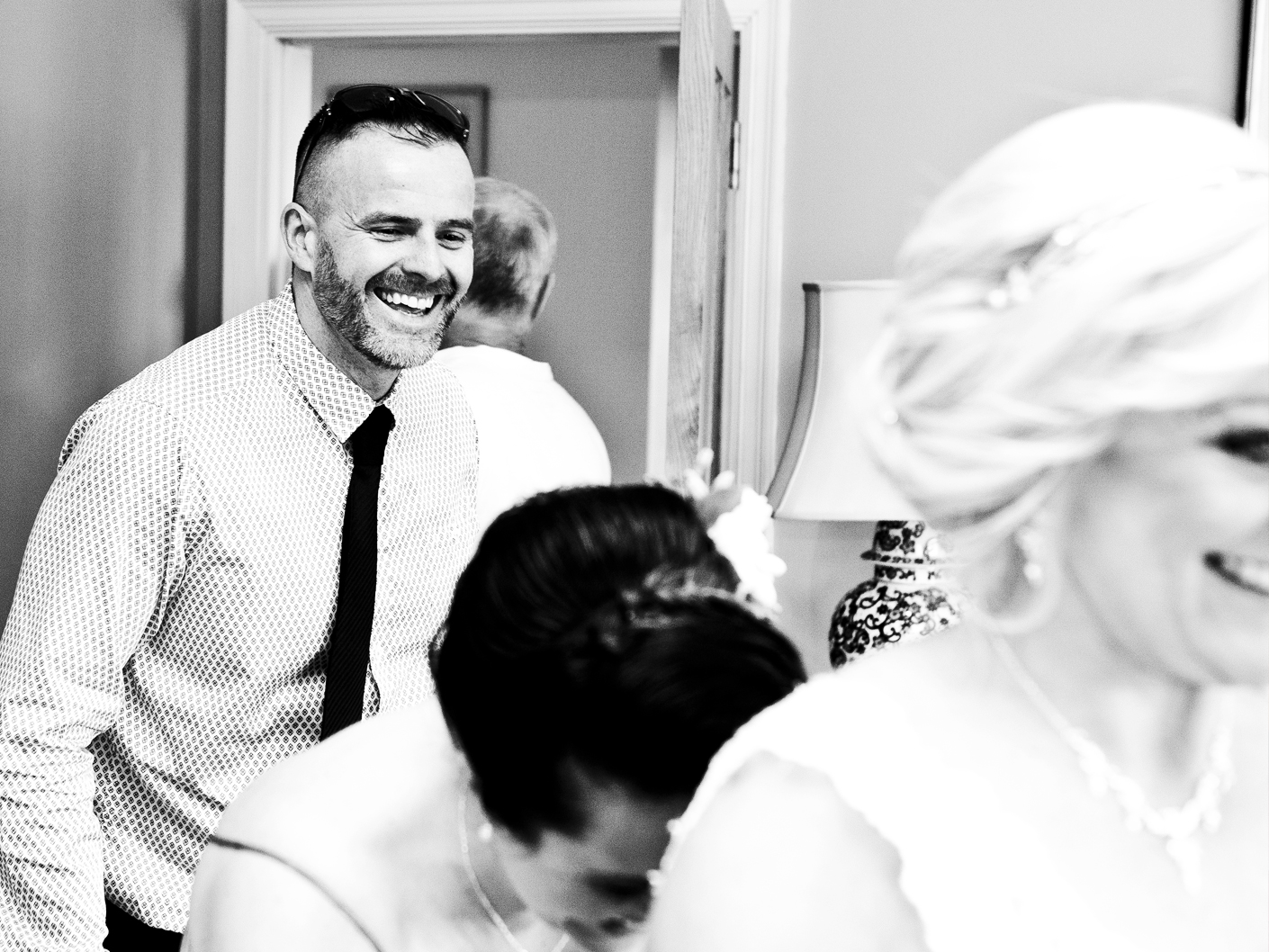 relaxed-and-informal-wedding-photography-in-manchester