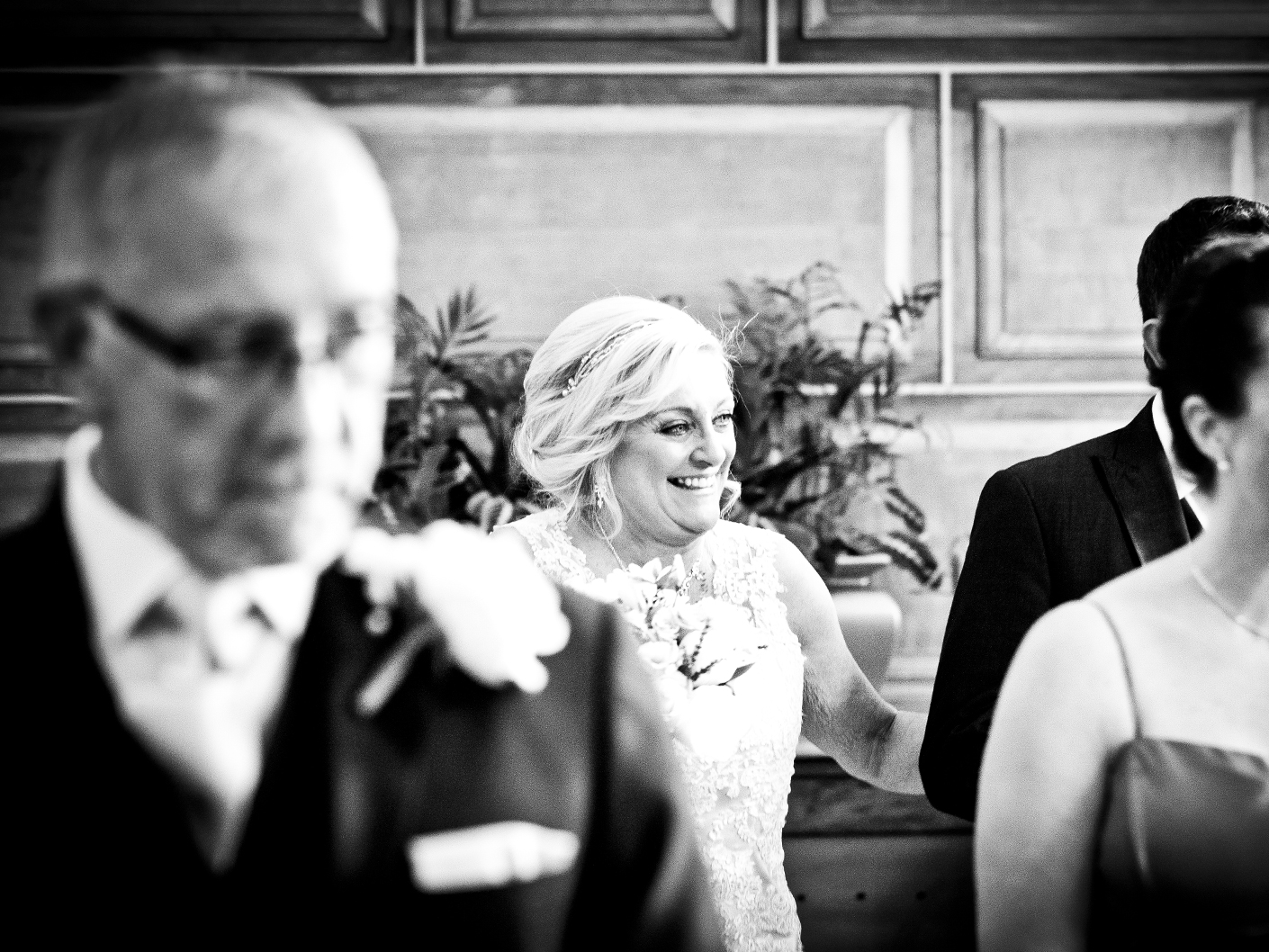 wedding-photography-of-the-arrival-of-the-bride-at-the-ceremony-in-cheshire