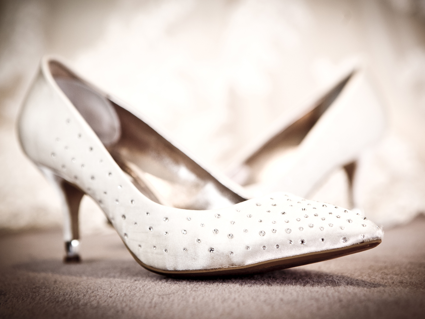 wedding-photography-of-the-bridal-shoes-in-cheshire