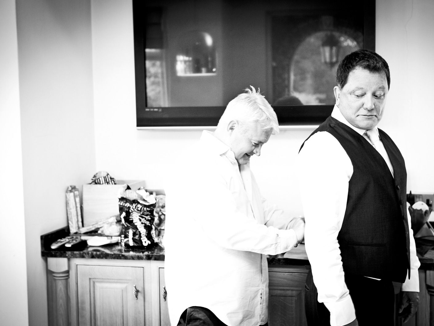 wedding-photography-of-the-guests-before-the-ceremony-in-manchester