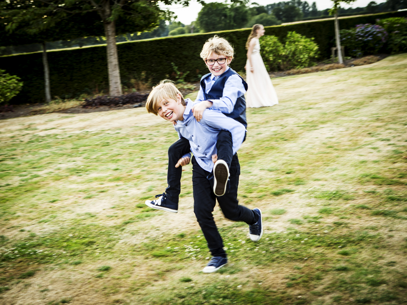 photography-of-the-page-boys-at-merrydale-manor-cheshire