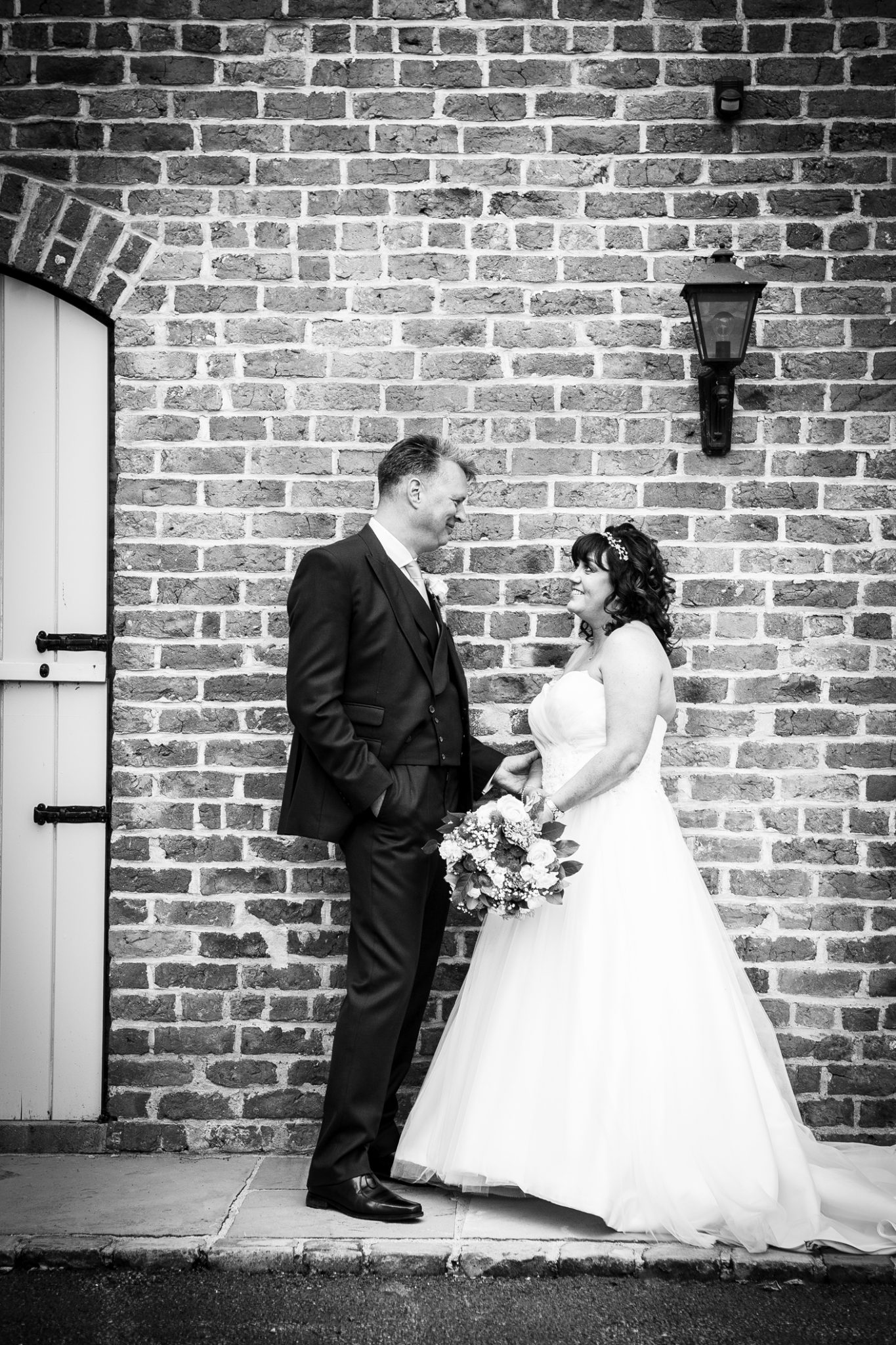 relaxed-wedding-photography-in-the-grounds-of-merrydale-manor-knutsford-cheshire-