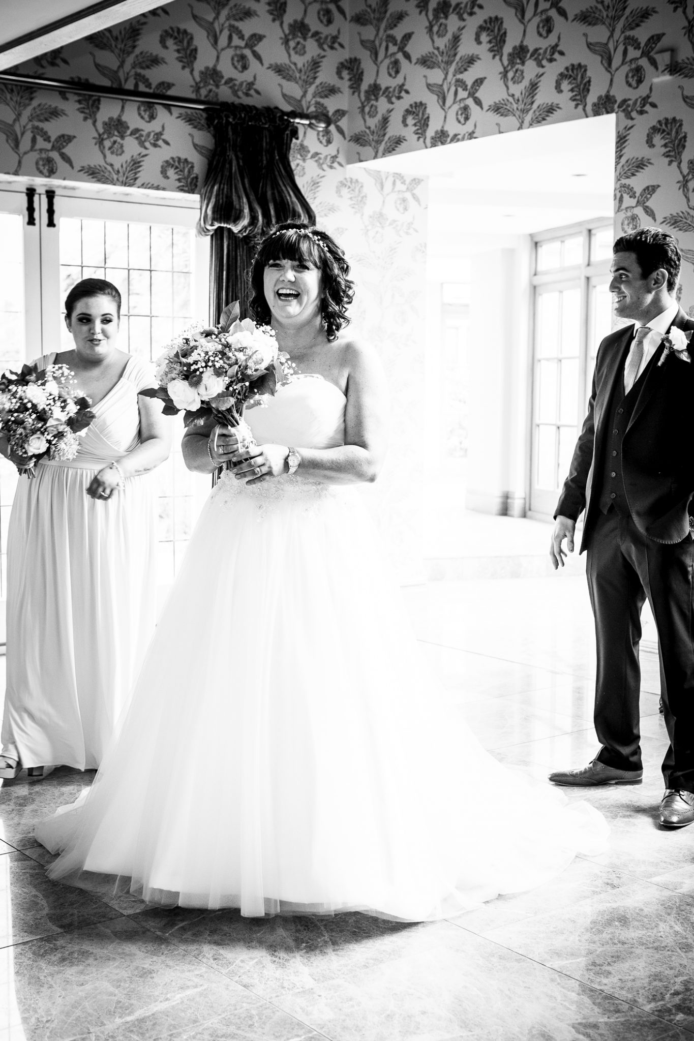 relaxed-informal-wedding-photography-at-merrydale-manor-knutsford-cheshire