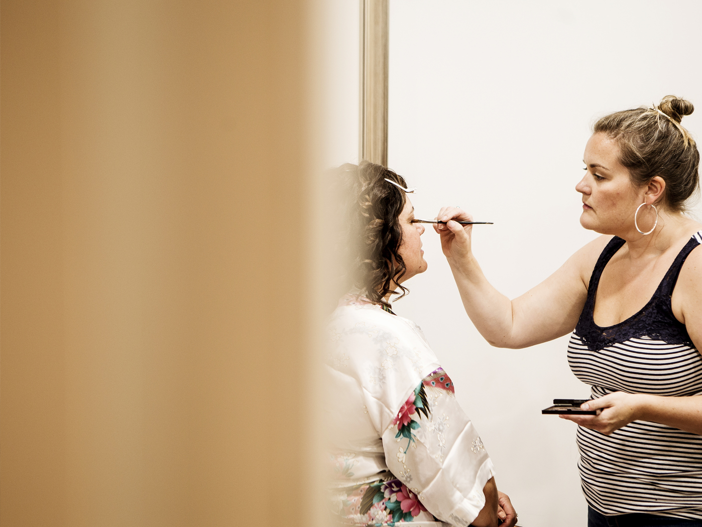 wedding-photography-of-the-bride-getting-ready-at-the-cheshire-wedding-venue-merrydale-manor