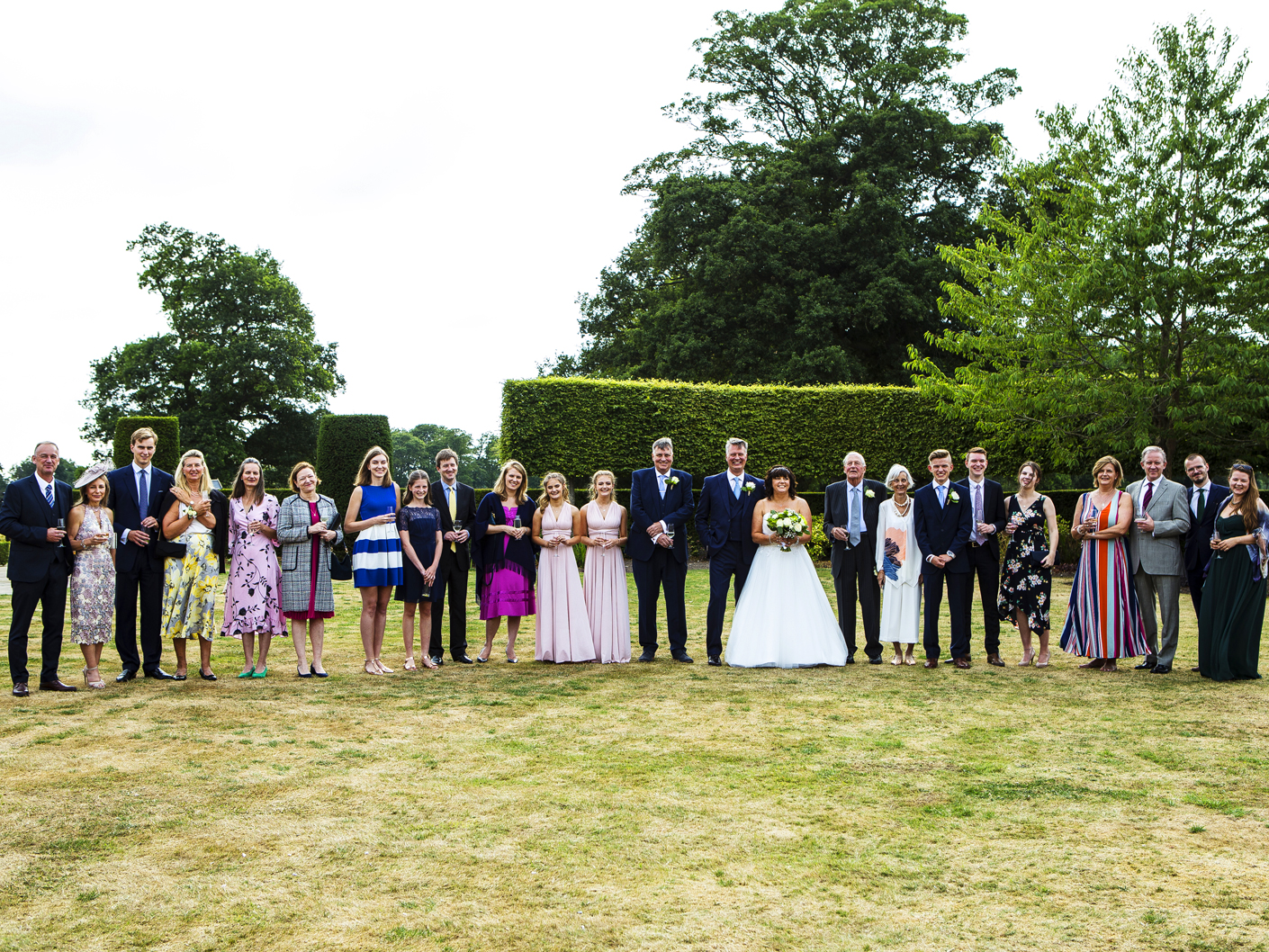 wedding-photography-of-the-group-shots-in-knutsford-cheshire