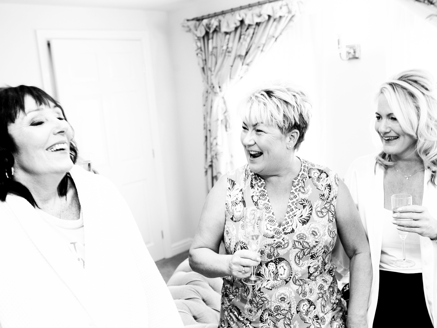 photography-of-the-brides-prep-at-the-wedding-venue-sandhole-oak-barn-cheshire