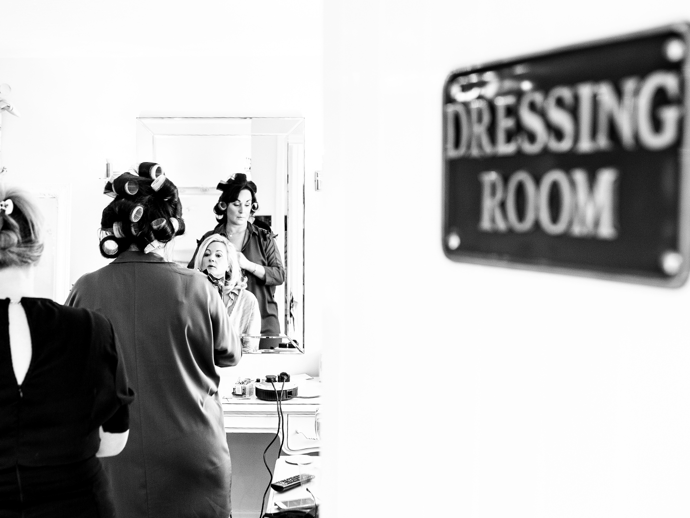 photography-of-the-brides-wedding-preparations-at-Sandhole-Oak-Barn-Congleton-Cheshire